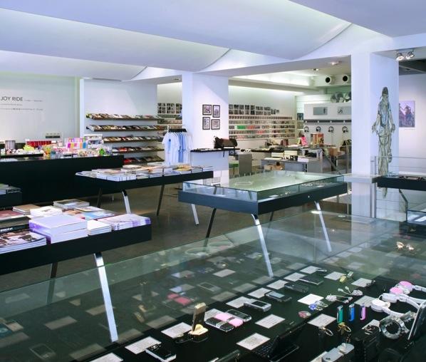 Sneaker culture colette paris - Colette paris magasin ...